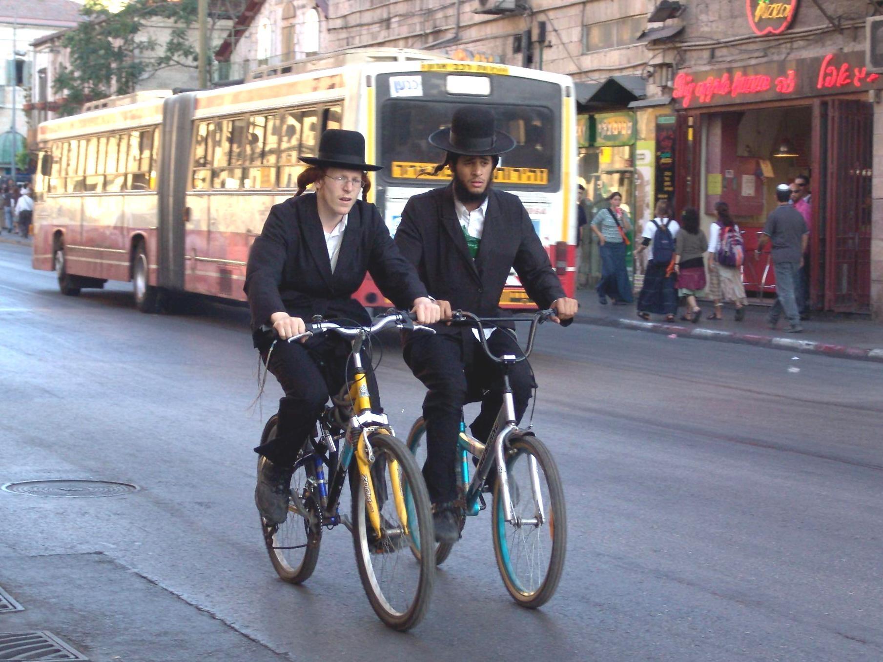 סכנת נפשות: ילדים על אופניים