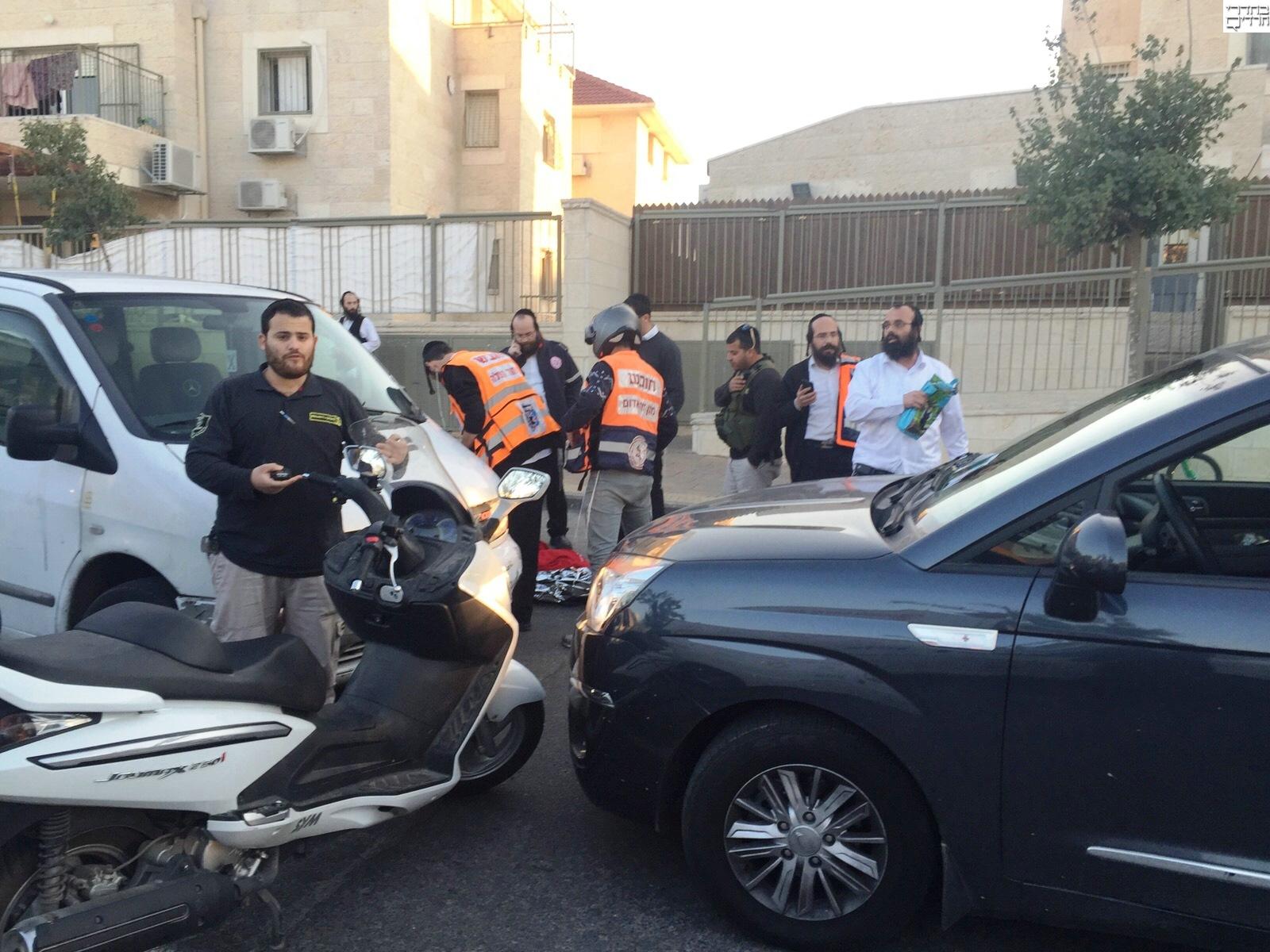 ילד בן 5 נפצע ממונית באלעד: מצבו קשה