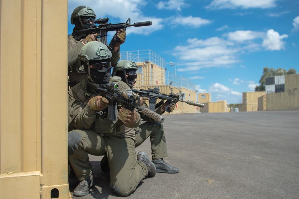 נוהל חדש: חיילים מורשים לירות לעבר גנבי נשק