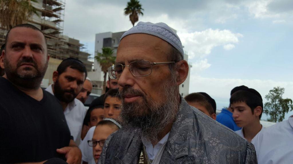 טבריה: הרב קוק והילדים הפגינו נגד ראש העיר