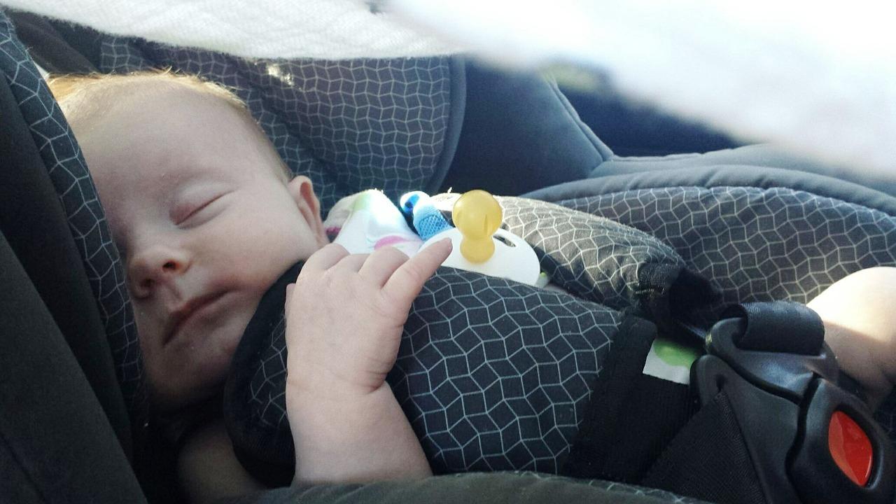 מדריך להורים: כך תשמרו על ראש תינוקכם