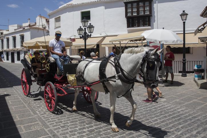 צפו בעיירות הציוריות של ספרד, ובחוף