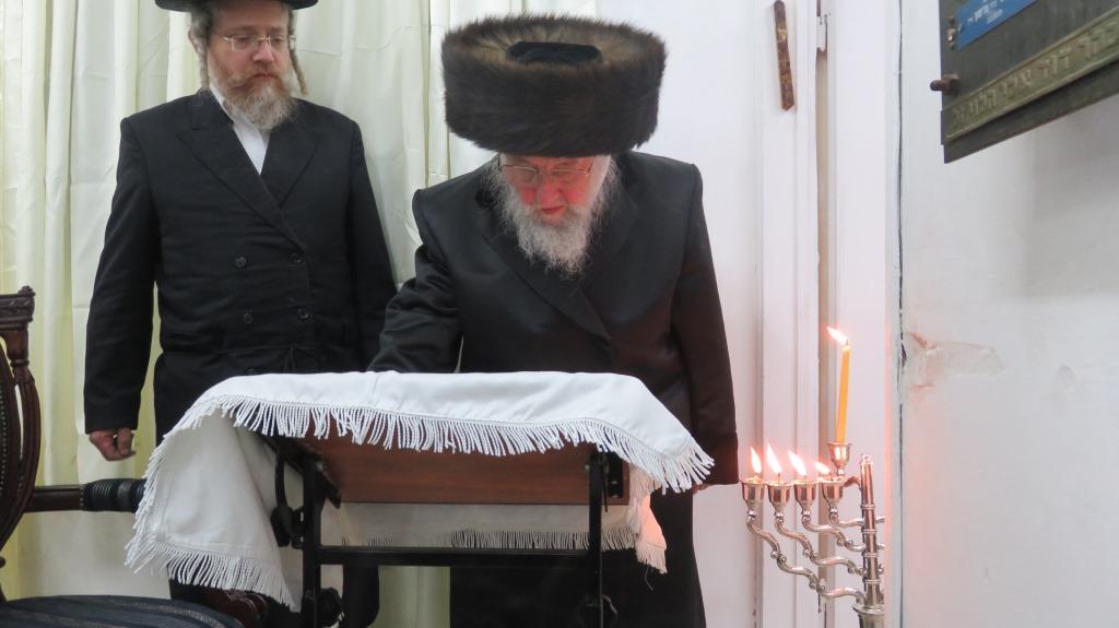 הרבי הישיש מספינקא: לא לחשוף את הילדים