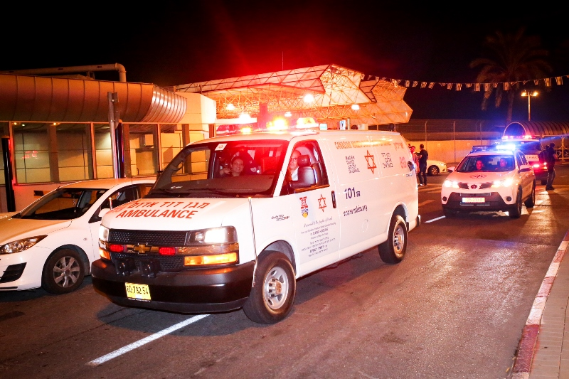 12-Year-Old Falls Off Talmud Torah Roof