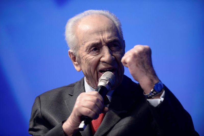 Fighting for Shimon Peres
