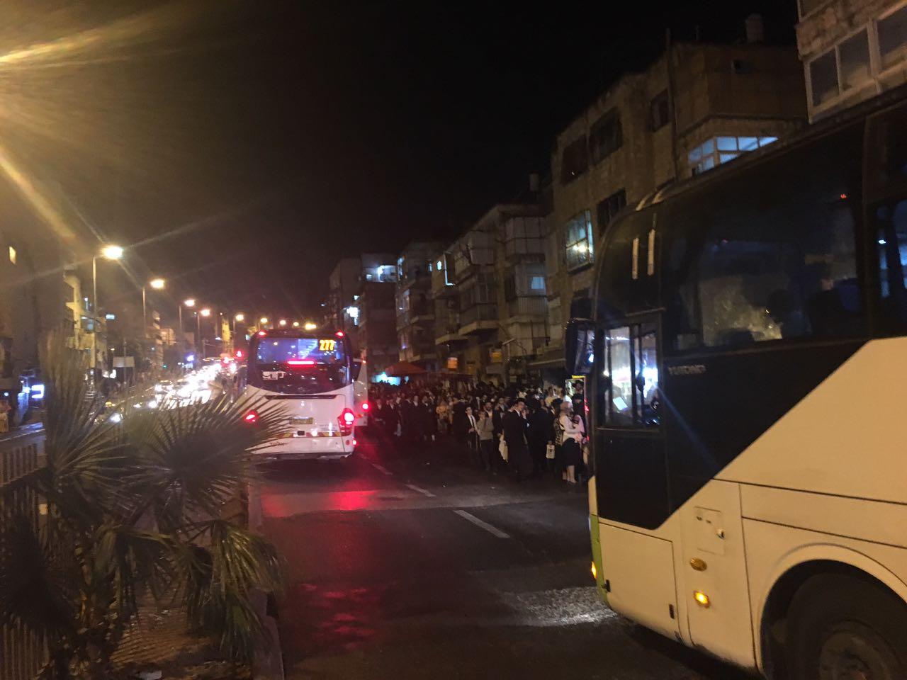 """טירוף לילי בבר אילן: """"חיכינו שעתיים לאוטובוס. הכל קרס"""""""