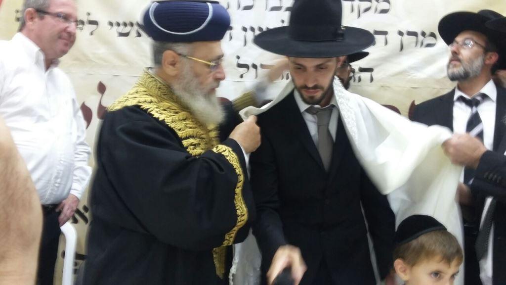 צפו: הרב בן ה-32 שהוכתר לרב