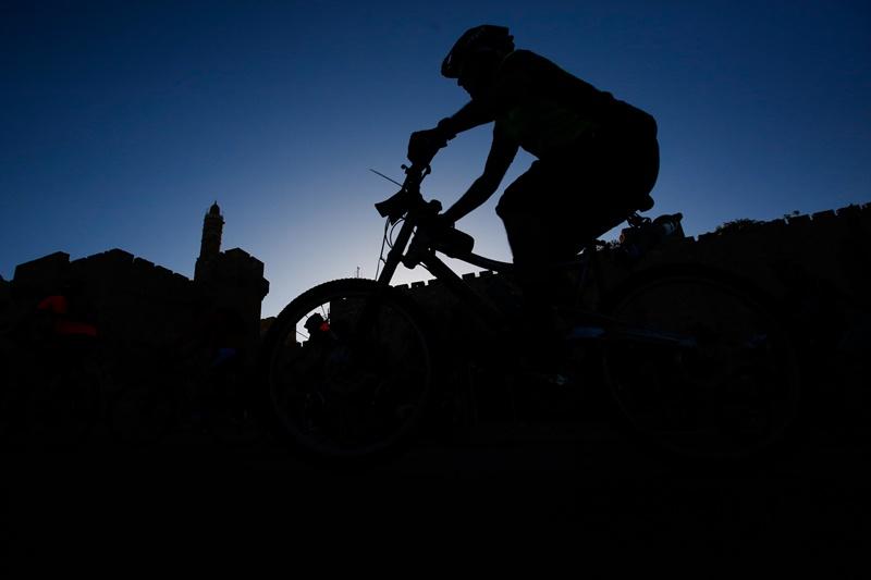 ילד רוכב אופניים נפצע קשה במודיעין עילית