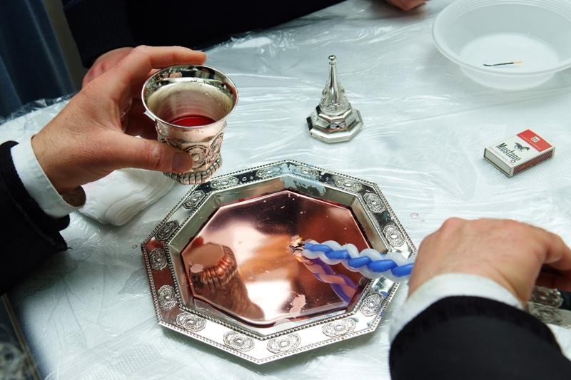 מי שותה את כוס ההבדלה במוצאי שבת חזון?