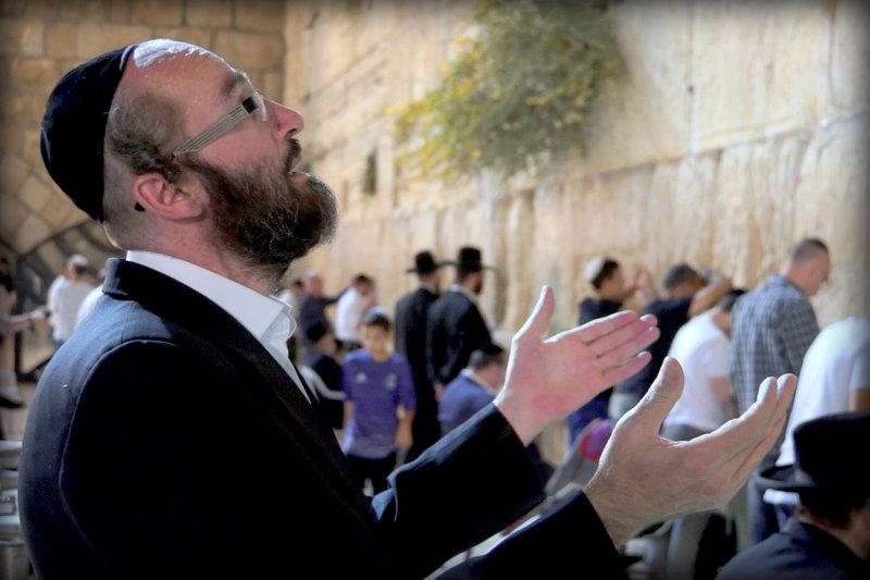 אליאב מארח את מוטי רוטמן: מחרוזת מבד