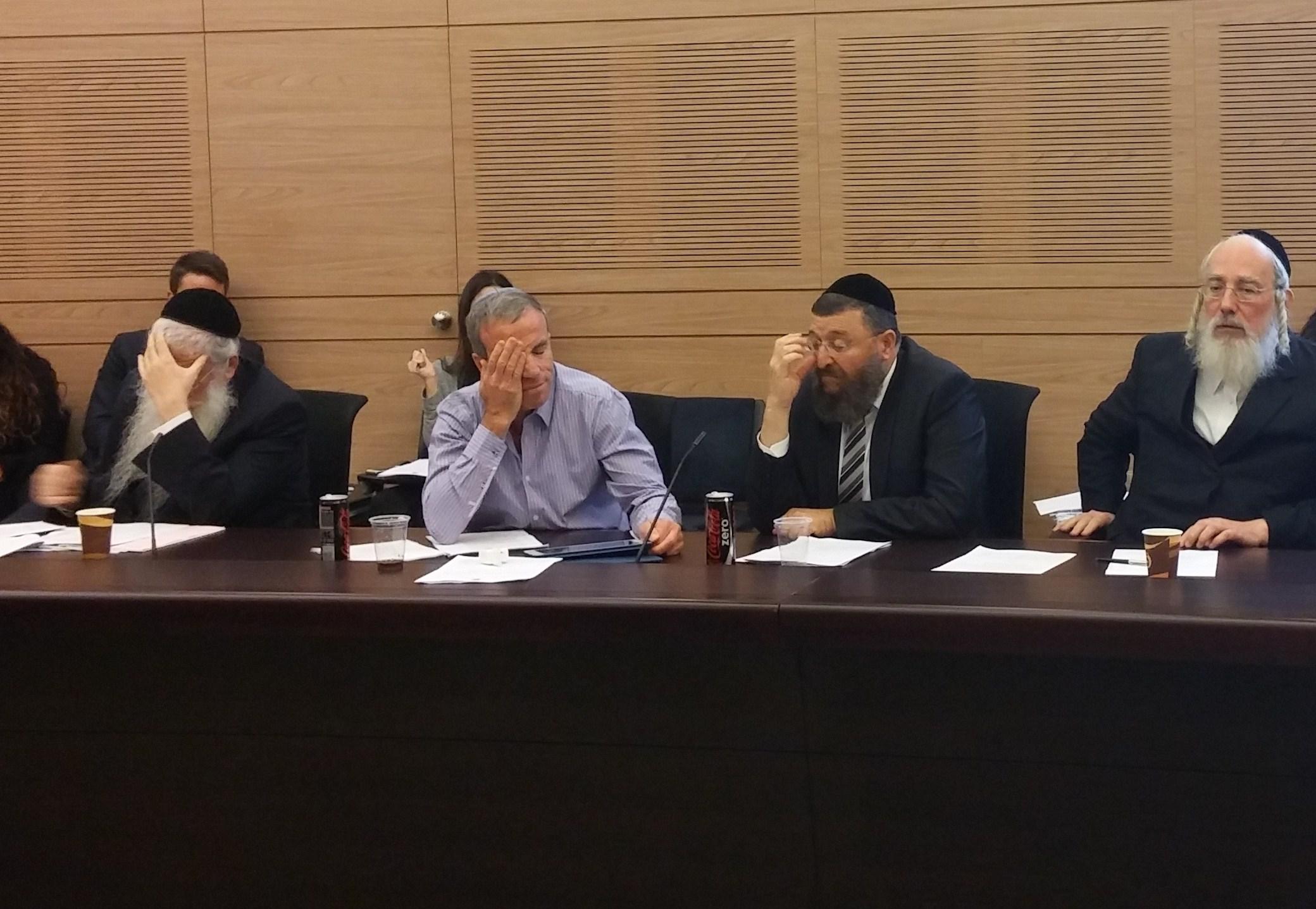 צפו בוידאו: החרדים נטשו את הוועדה בזעם