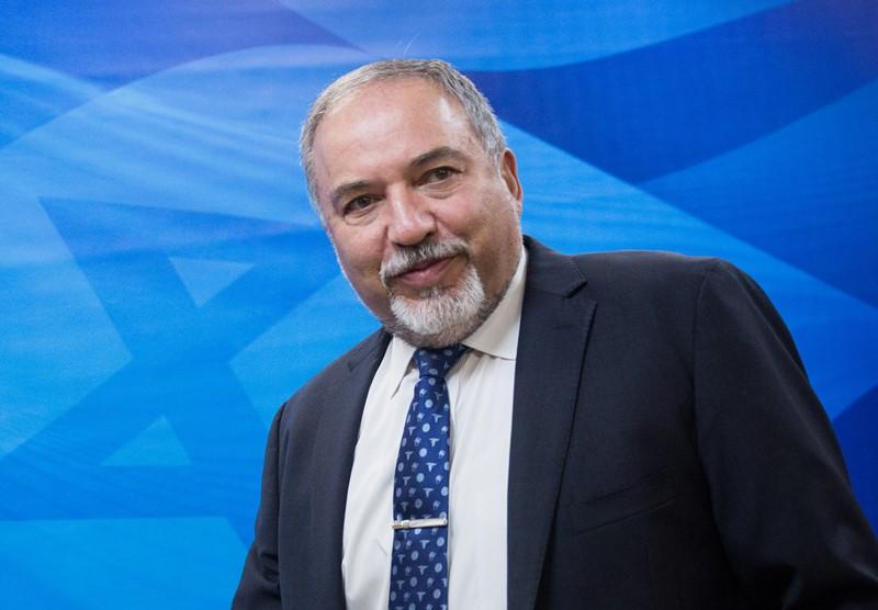 """ליברמן חושף: מול מערכת הביטחון עומדים 260 בג""""צים"""