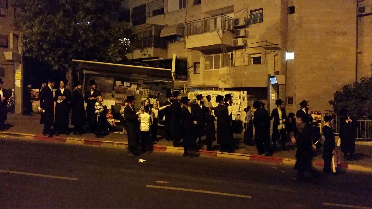קטסטרופה בירושלים: אלפים ממתינים במשך שעות לאוטובוסים