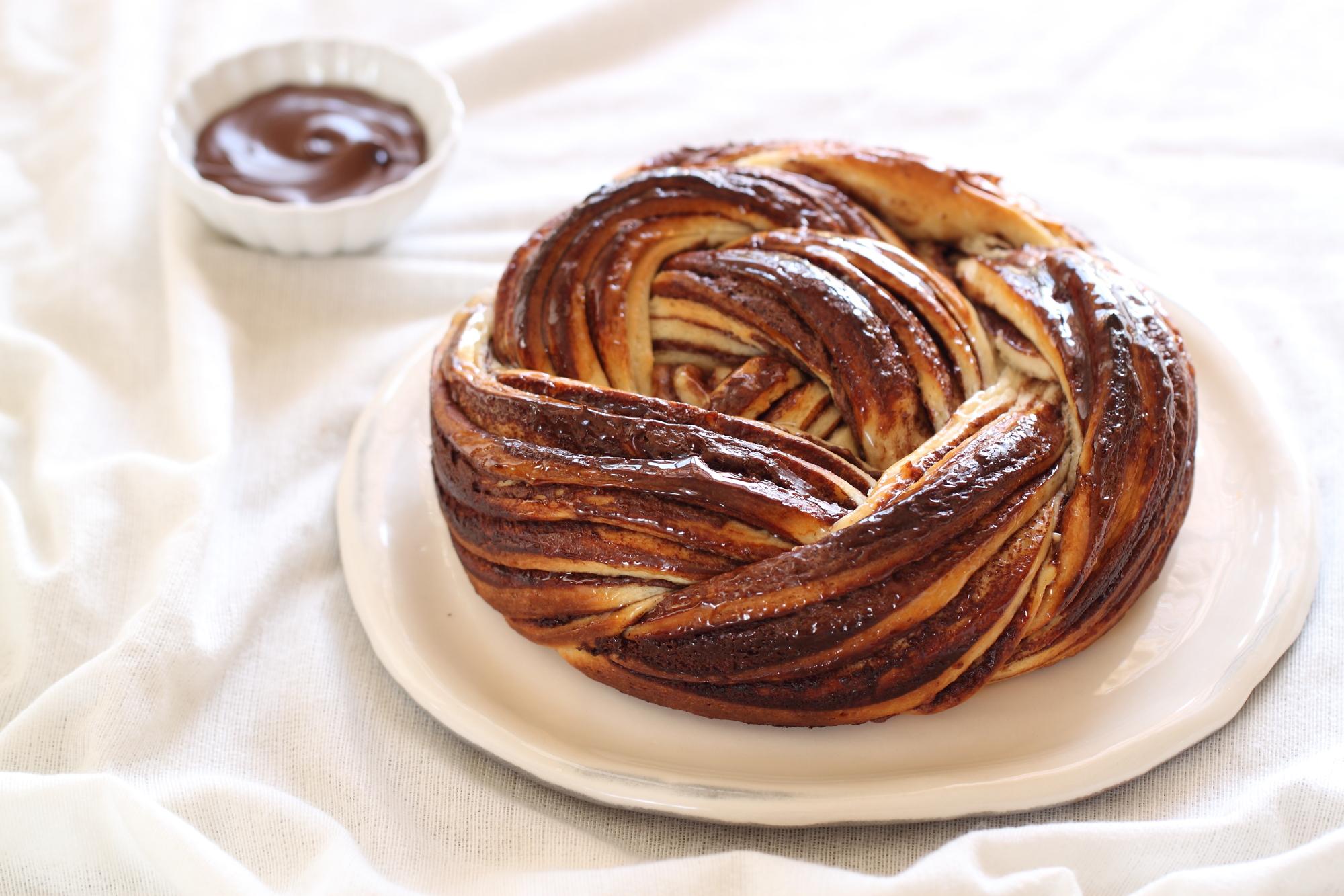 עוגת קראנץ שוקולד - פרווה מתאימה לכל יום בשנה • מתכון וידאו