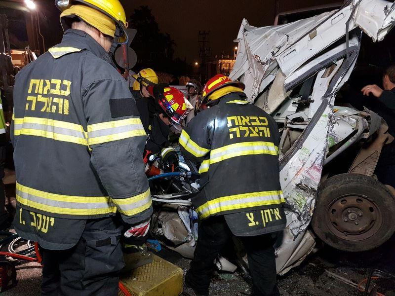 התאונה בבר אילן: נמצאה גופה ברכב שנמחץ