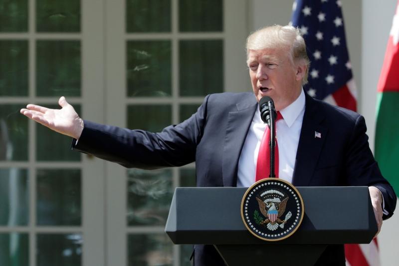 מטבעות נחלשים בעקבות צו נשיאותי מתוכנן