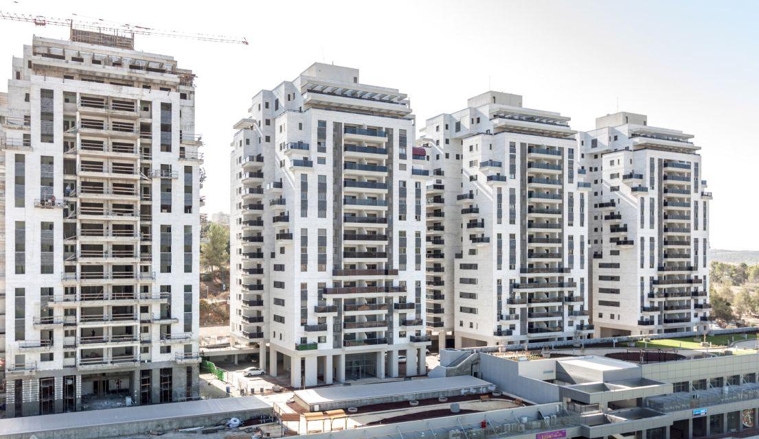 """המשקיעים לא ממהרים למכור דירות, אך בוחנים השקעה בחו""""ל"""