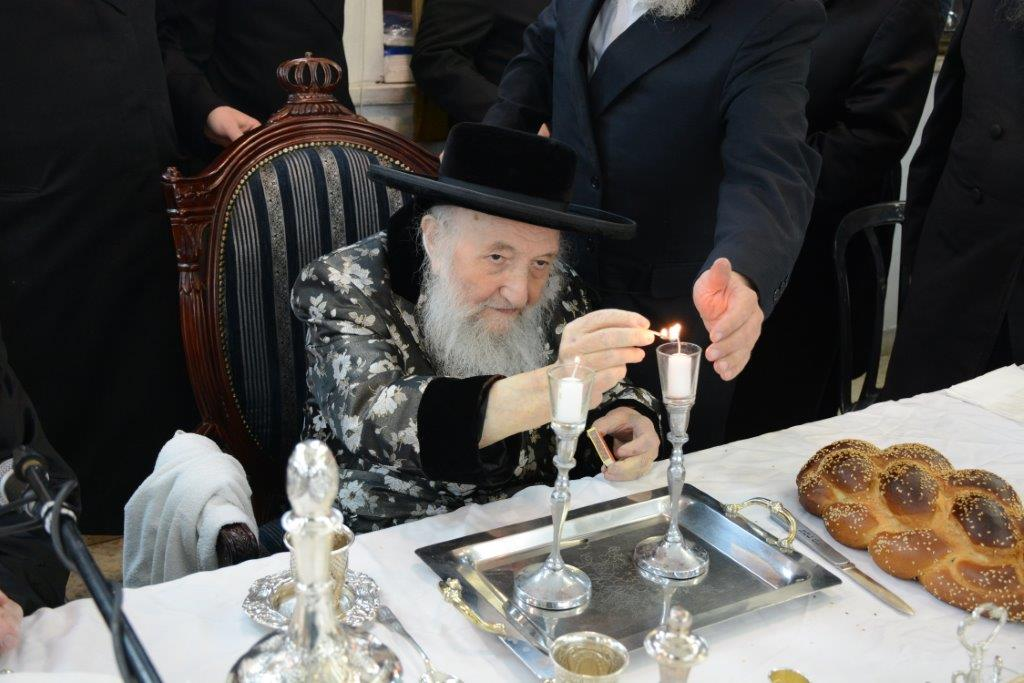 """זקן האדמו""""רים ערך סעודת הילולא ל"""