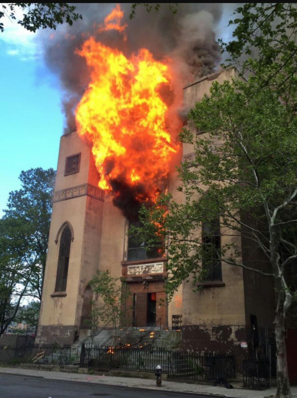השריפה בבית הכנסת העתיק: נעצר נער בן 14