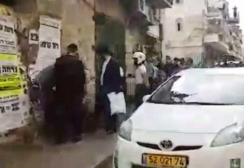 """צפו: בלשים זינקו מהרכב ועצרו חרדים במא""""ש"""