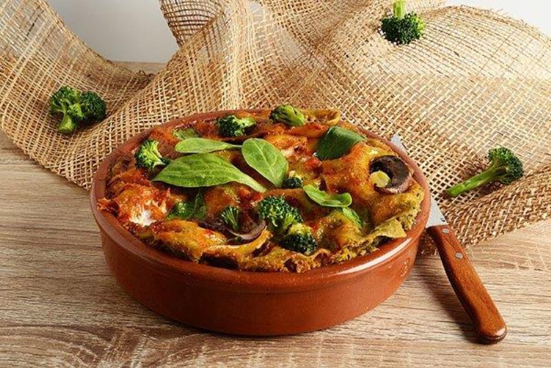 מיוחד לשבועות: לזניה ירוקה עם טחינה ורוטב עגבניות מהיר