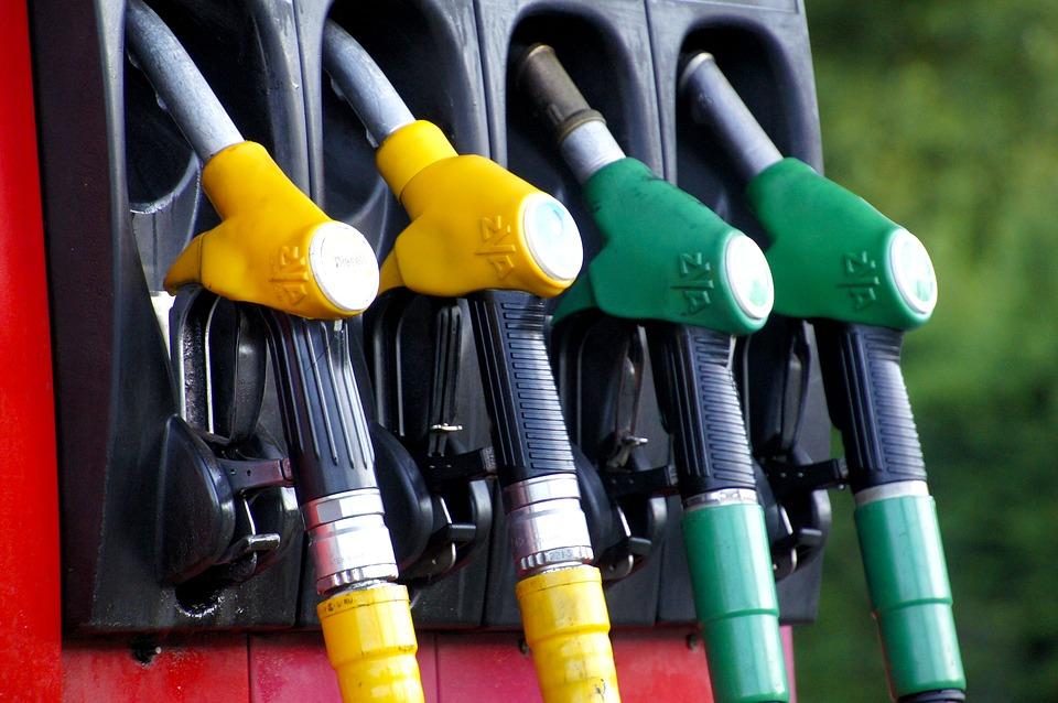 הדלק יתייקר ב-18 אגורות: ליטר בנזין - 5.94 שקלים