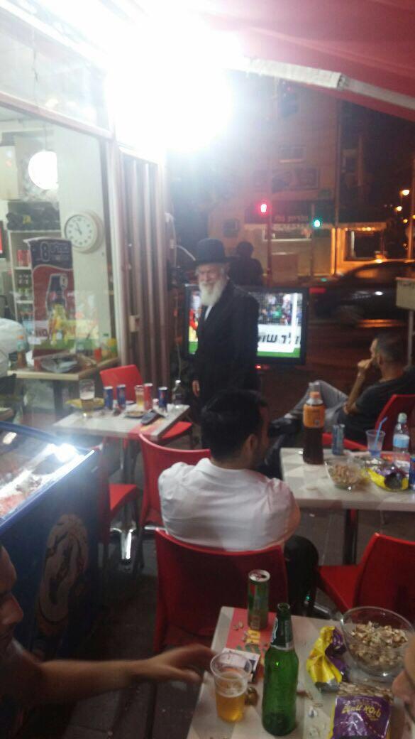 צפו • באמצע המשחק: הרב זילברשטיין הפתיע