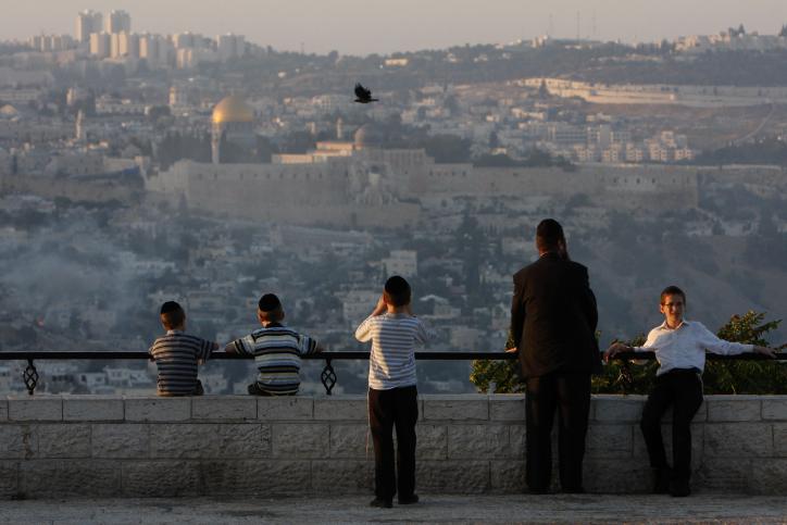 ספיישל ירושלים: קרליבך מול מקום המקדש