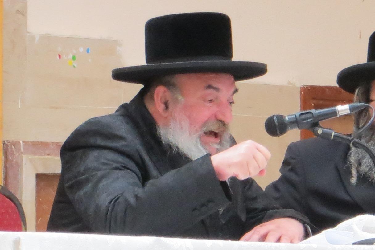 הרבי ביקש מחסידיו: שילחו מכתבים לאסיר