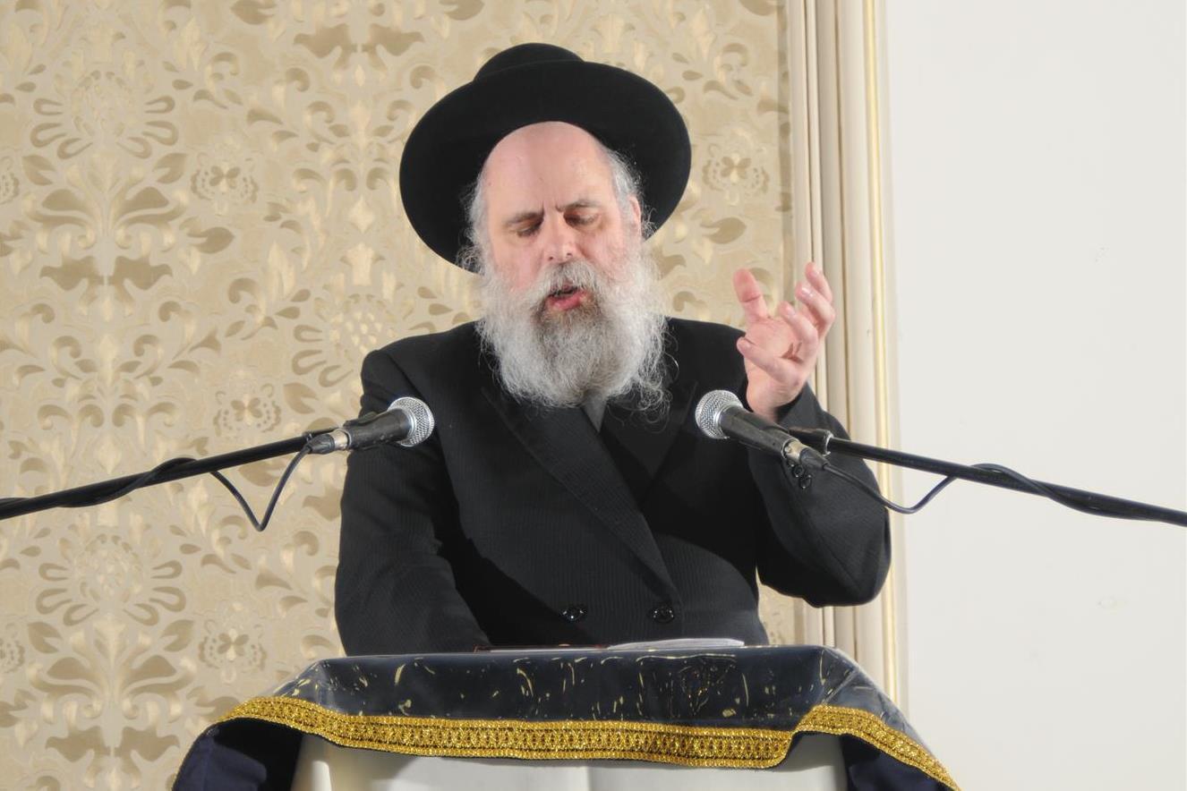 ניו יורק: הרב וקסמן הרקיד את ההמונים בערב החג