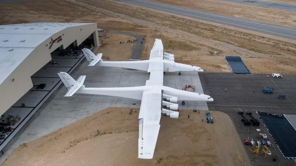 מייסד מיקרוסופט מציג: המטוס הגדול בעולם