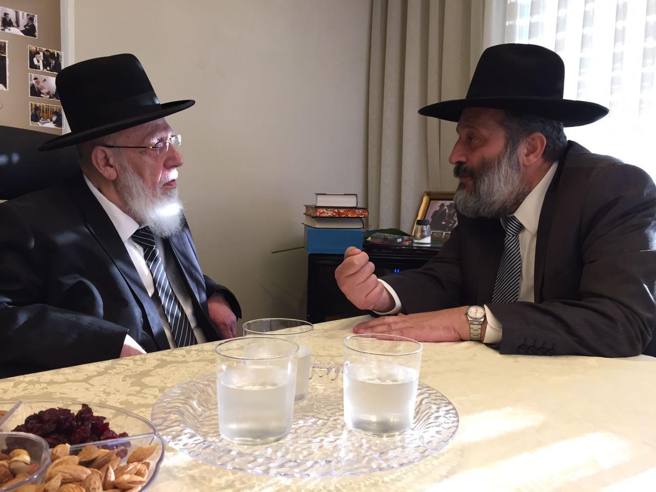 יועץ השר יזומן לשימוע אצל הרב יעקב כהן