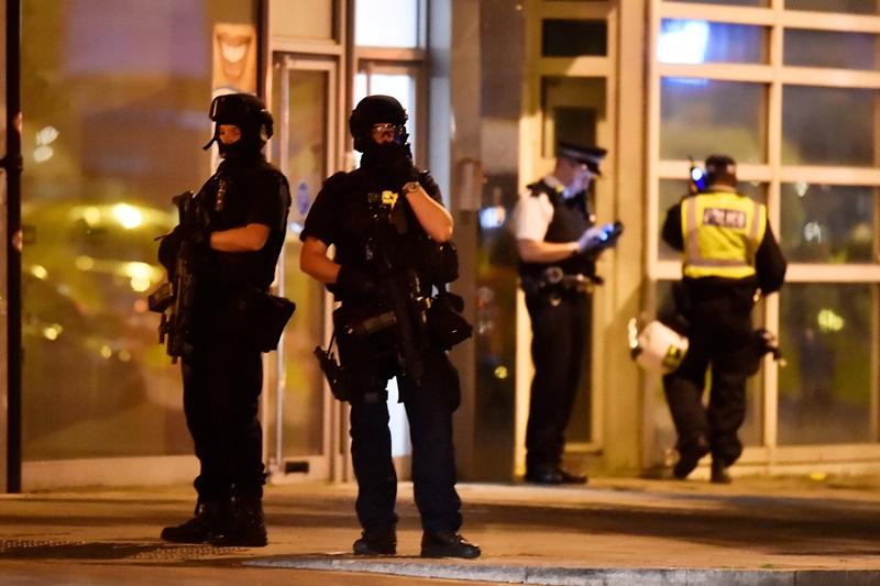 שישה הרוגים ו-30 פצועים בפיגוע באנגליה