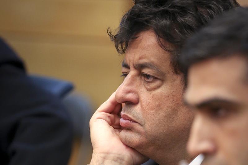 צרפת: מקרון ניצח בגדול; הנציג הדתי בפנים