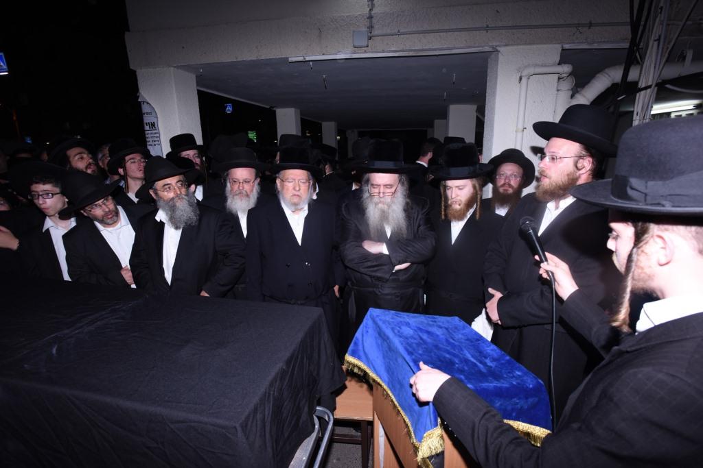 הלווית הרבנית: מכיכר המדינה ועד לסנהדריה
