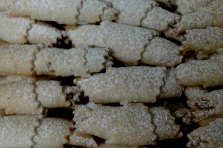 עוגיות סיגר במילוי אגוזים