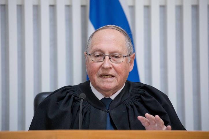 פרידה משופט העליון הדתי שהביך את החרדים