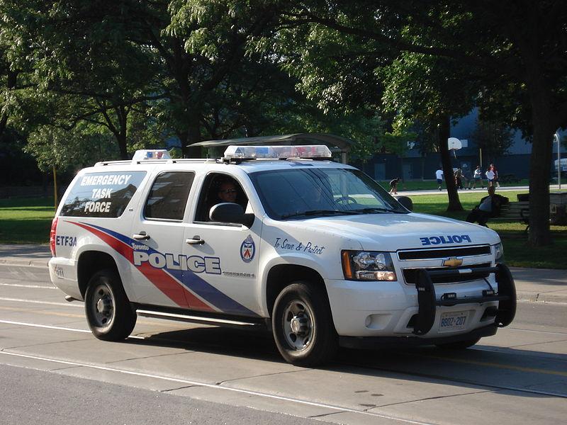 """משטרת טורונטו מחפשת """"רב"""" שתקף נשים"""