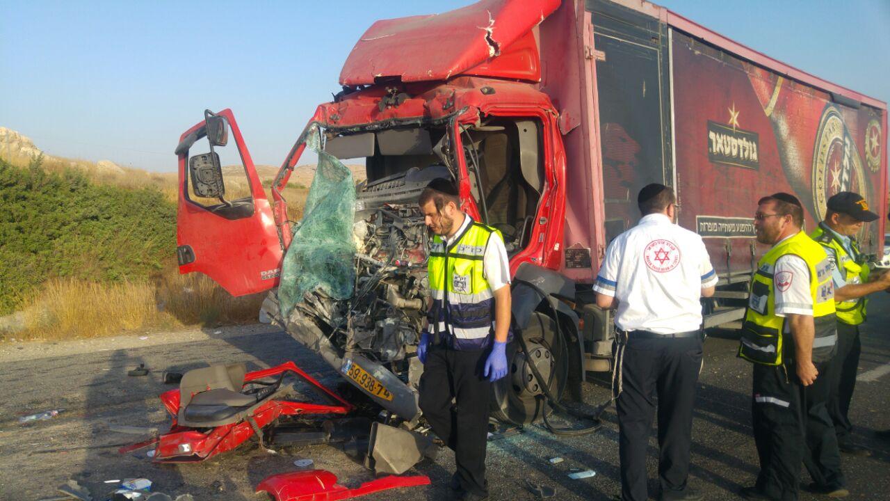 תוך שעות ספורות -  שלושה הרוגים בתאונות