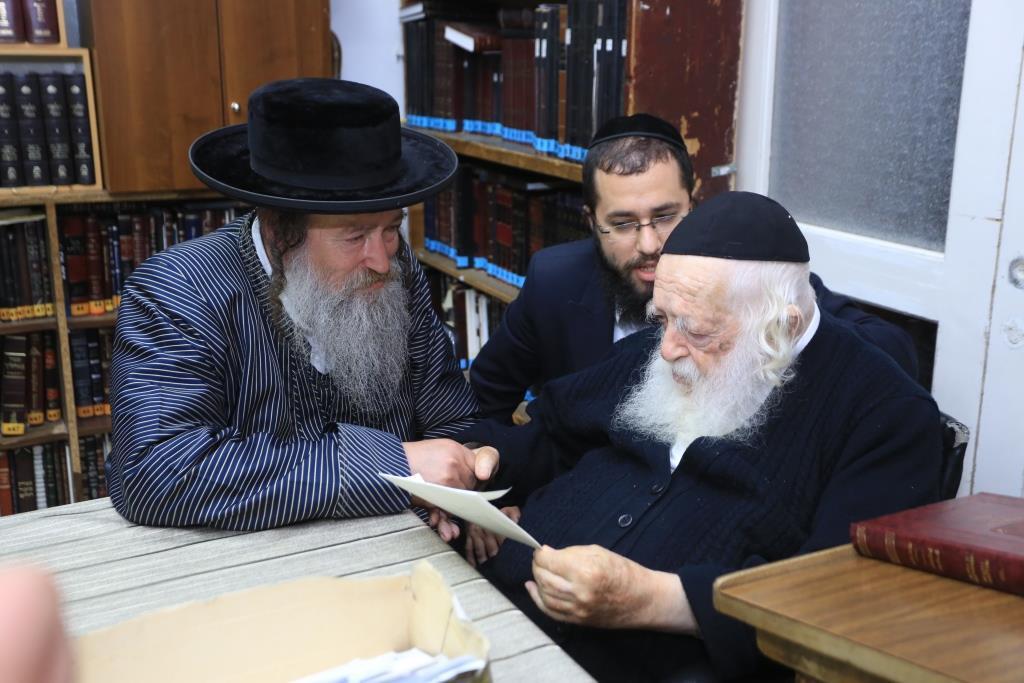 חוצה חוגים: העסקן הרפואי בבתי גדולי ישראל