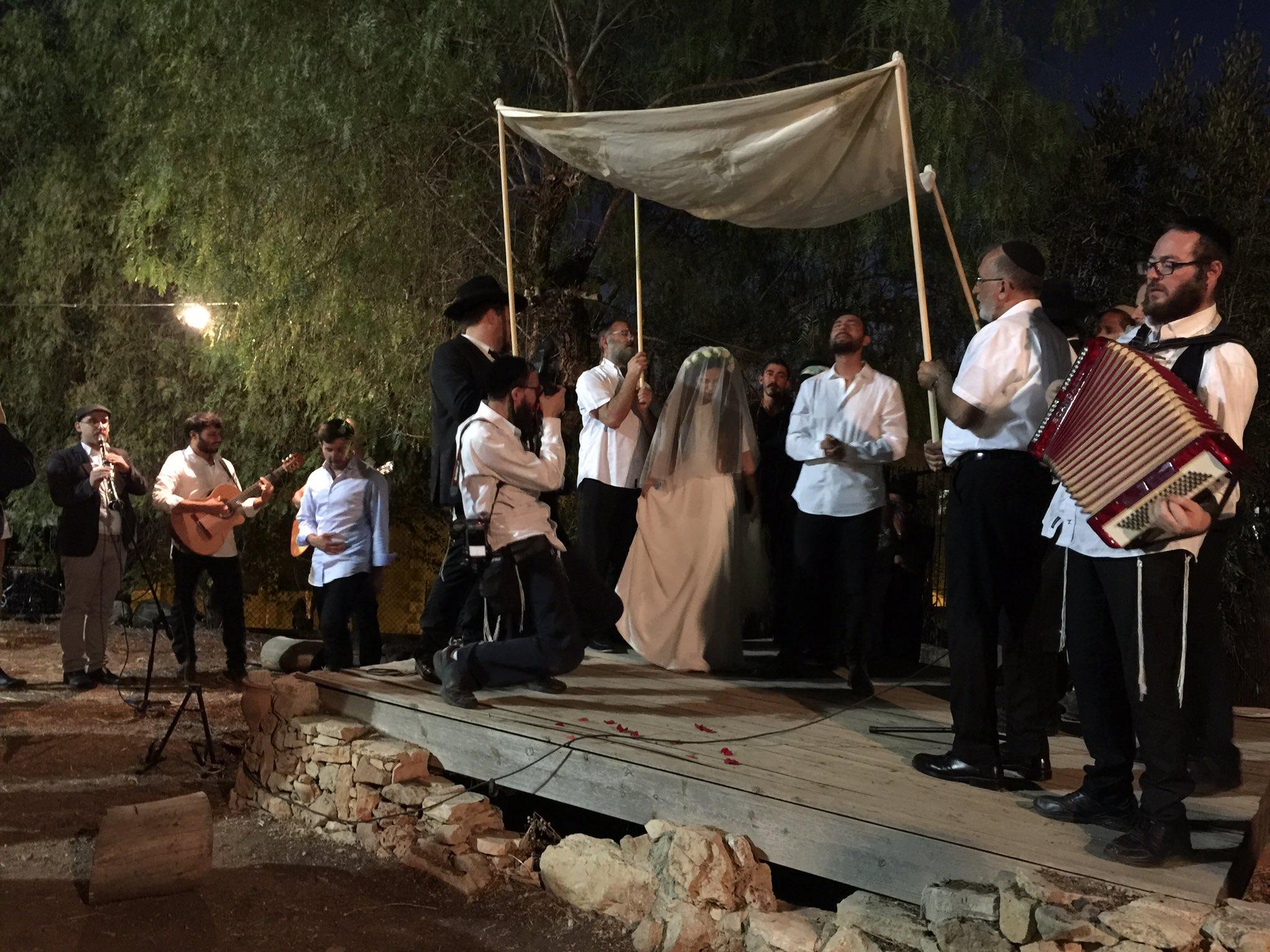 איציק הלפרין התחתן עם הבת של הרב עופר גיסין