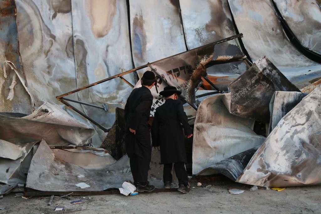 בית הכנסת ראדושיץ נשרף כליל והתושבים נקראו להתחזק