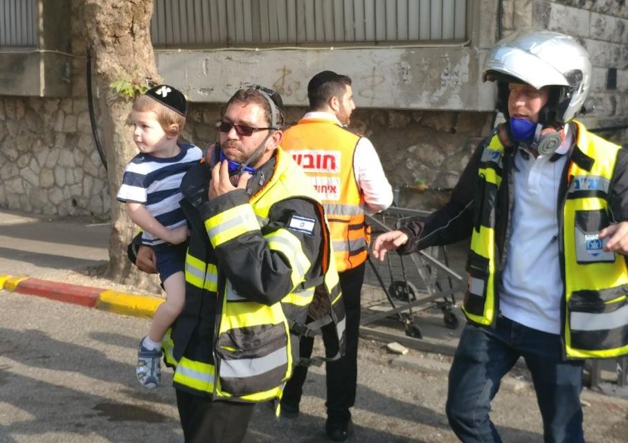 המתנדב חילץ ילד בידיו והזכיר את אביו