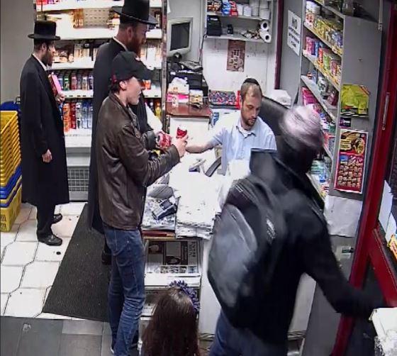 צפו: גנב בחנות יהודית בלונדון נתפס על חם