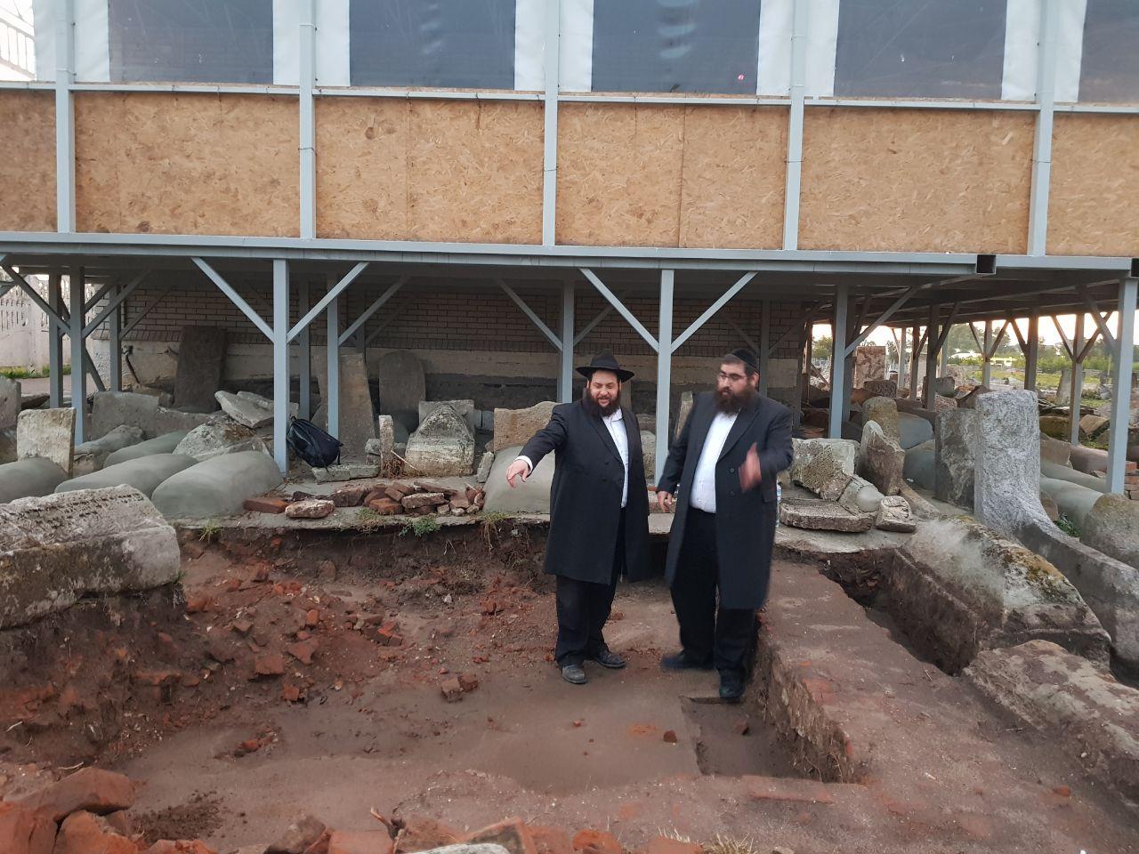 גילוי מרעיש ומרעיד בבית הקברות בברדיטשוב