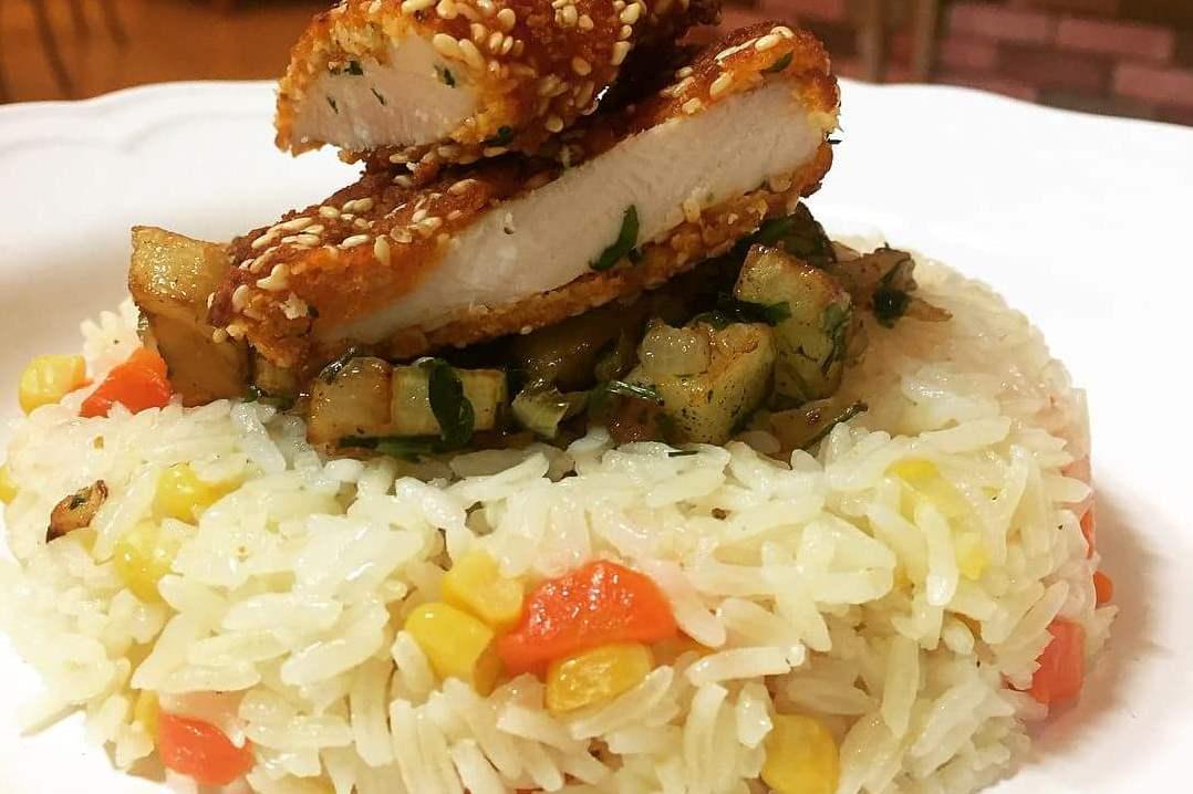 אורז עם תוספות לשדרוג הצהריים שלכם