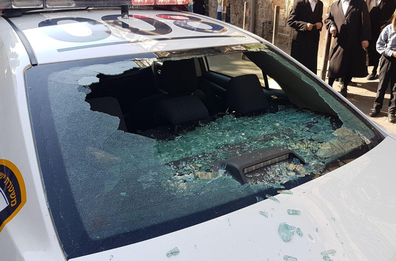 """שוטרים הוזעקו למא""""ש לסייע והותקפו באבנים"""