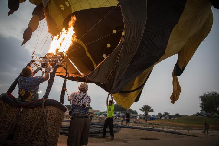 אש בנגב: הכדורים החמים הופרחו אל על • גלריה