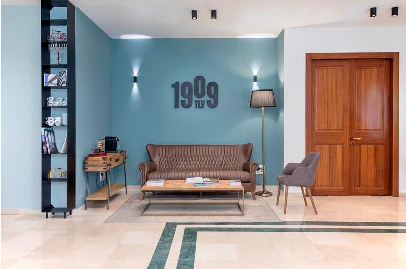 עשרים ומשהו: עיצוב משרד בתוך בניין לשימור בתל אביב