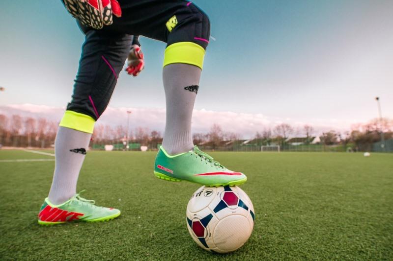 """בג""""צ רומז: נאסור משחקי כדורגל בשבת"""